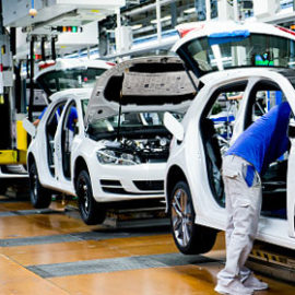 What steps followed by the top automobile consultants in India to hire candidates?